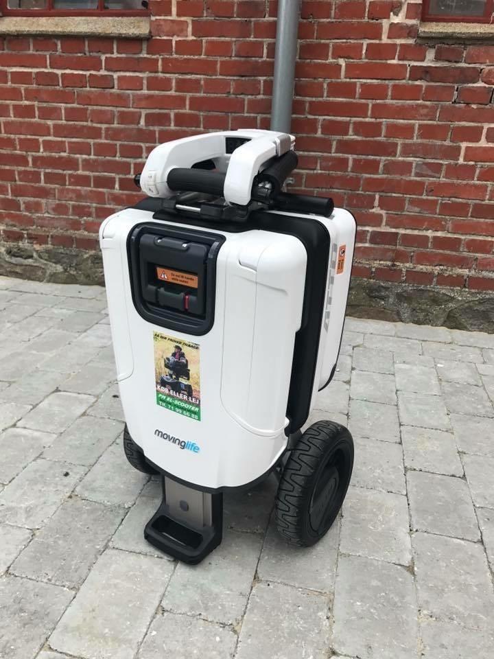 ATTO mobil elscooter sammenklappet og klar til fragt - PM Elscooter