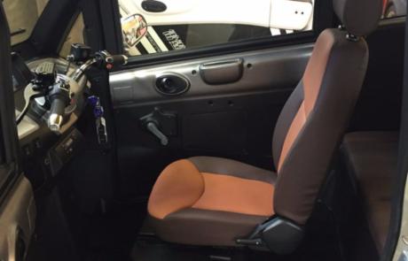 sædet i en kabinescooter